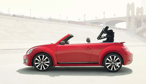 Coccinelle cabriolet sunny one so true i love you for Coccinelle decoration exterieure